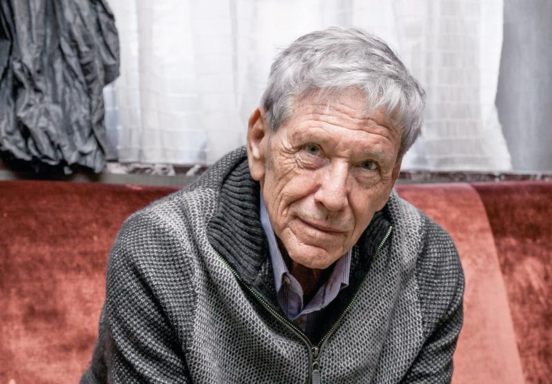 "Amos Oz, the celebrated Israeli writer, in New York, Nov. 14, 2016. In his latest novel, ""Judas,"" which is not only named after the most reviled traitor in history, but also reimagines the story of the Crucifixion, Oz makes effort to remove the taint from a character who has inspired so much hatred and violence.©George Etheredge / The New York Times / Contacto"