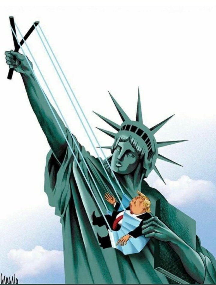 estatua libertad trump